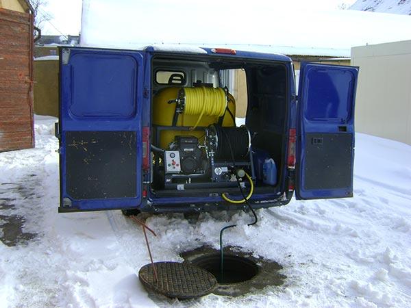 Czyszczenie kanalizacji urządzeniem ciśnieniowym WUKO